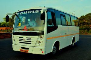 mini bus_location de voitures en Inde